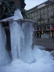PICT0637 - Alfred Escher Brunnen