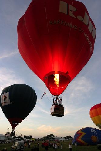 10th Balloon Fiesta (Feb. 12, 2006) - 23
