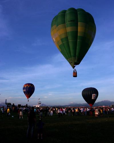 10th Balloon Fiesta (Feb. 12, 2006) - 54