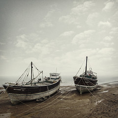 boats - at rest photo by .nikita