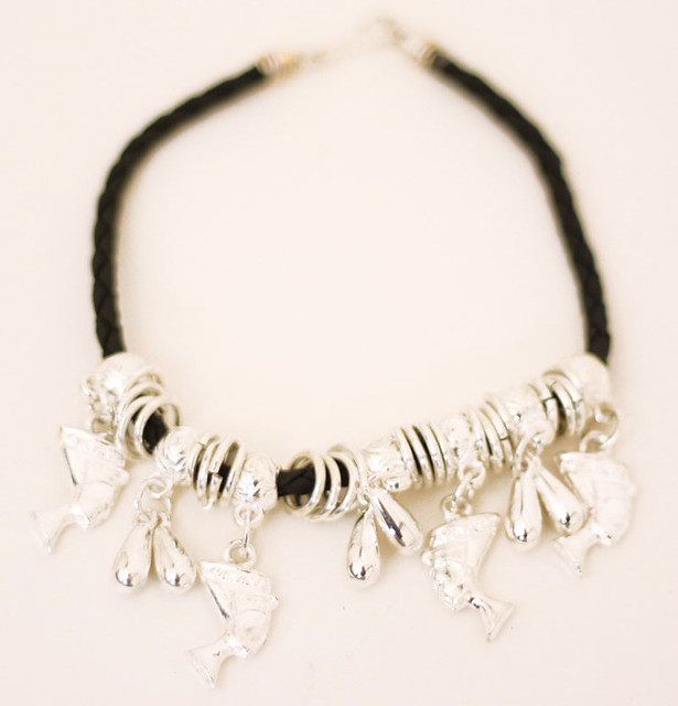 Nefertiti Pendants - Pendants - Gold Jewellery - Online Jewellery