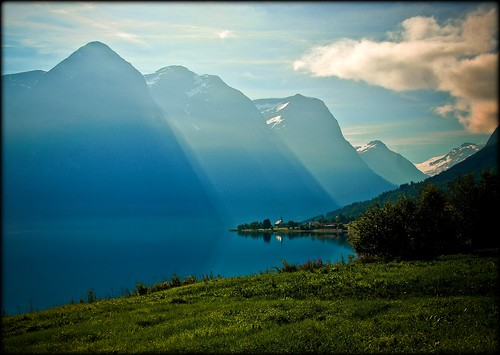 Norwegen - happy Easter to all :-) photo by NPPhotographie