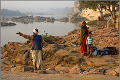 Orchha * early morning by sistereden2