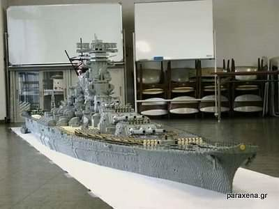 Lego-aircraft-carrier-02