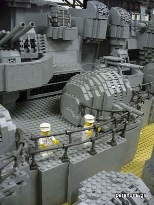 Lego-aircraft-carrier-28