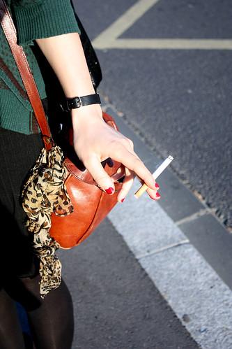 femme et cigarette
