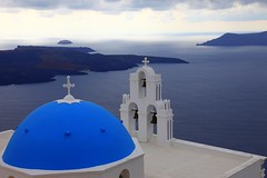 The blue domes of Santorini (Σαντορίνη) photo by ... Arjun