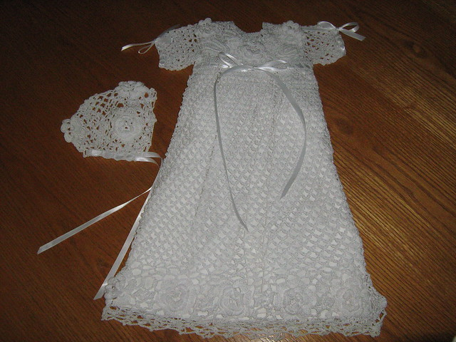 Crochet pattern for christening dress. Free patterns.