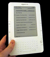 Kindle-2-Held