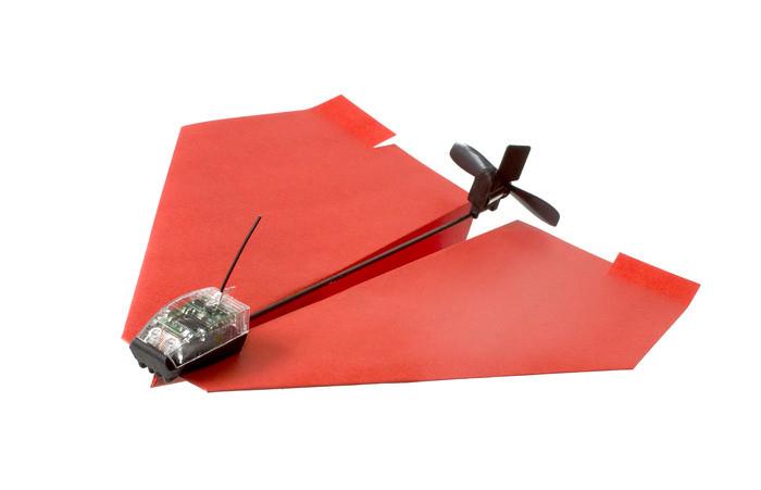 科技感的飞机头跟后面的螺旋桨