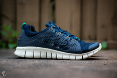 Nike Powerlines 2 - Obsidian photo by Niwreig