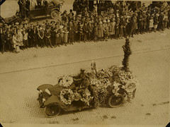 Funeral of Michael Collins photo by National Library of Ireland on The Commons