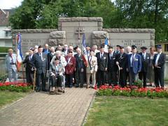 Obenheim- 2011 - Devant le monument 1ere DFL