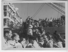 BP- 1946 - Descente des volontaires -Fonds Jean Tranape