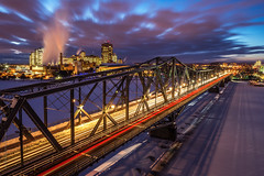 luminous Alexandra Bridge photo by tuanland