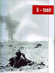 RA- 1942- Bir Hakeim  chef de tir phto droite