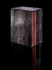libros en piel de cocodrilo