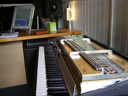 Rhodes Suitcase Mk1 Keyboard