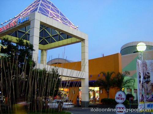 robinsons place iloilo mall