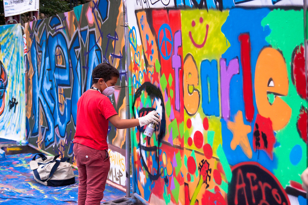 Simon Butler - Graffiti Painting - Peace Gardens - Sunday-2.jpg