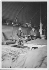 Angleterre- Old dean Camp - Dans la hut 84  avril 41 - Fonds Jean Mathieu Boris