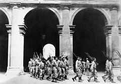 BIMP- 1944- Italie -  Le Bataillon du Pacifique défile dans la ville de Rome