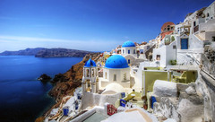 santorini greece photo by mariusz kluzniak
