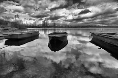 boats on the lake photo by wian1900