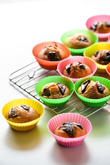 cupcakes, baked photo by akiko@flickr