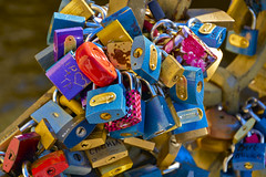 Love Locks photo by neoBIT