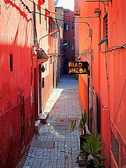the red alley photo by mujepa