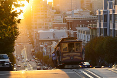 California Street Cable Car photo by Iyhon Chiu