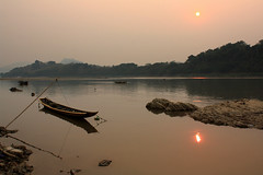 Mekong Sunset photo by pietkagab