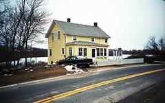 House on Lakeside Drive photo by neilsonabeel