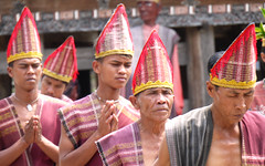 Batak Dancers, Lake Toba photo by Larterman