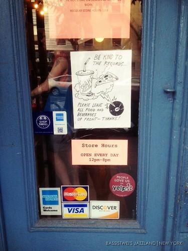 Vinyl shop in New York (3)s