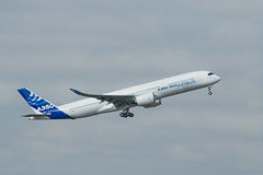 A350 First Flight photo by Matthieu Luna