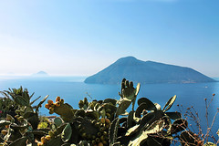 Isole Eolie, il paradiso terrestre________Eolie islands, an earthly paradise photo by MaOrI1563