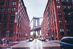 Manhattan Bridge from Washington Street photo by Hermann Sabado