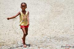 Walking Girl - Espargos photo by Stefano.Minella