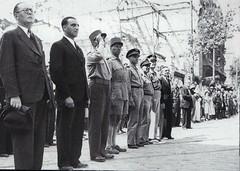 1944- Provence- Devant les ruines des Dames de France à Toulon - MM. DIETHELM et JACQUINOT, les généraux BROSSET, COCHET (délégué militaire Sud), l'amiral LEMONNIER - source : ECPA- Paul  Gaujac