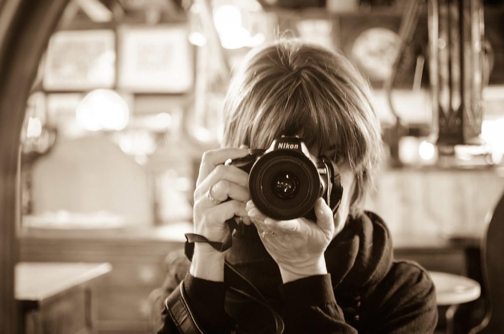 Nikon Reflection Selfie | Black and White Reflection Self-Portrait | personallyandrea.com