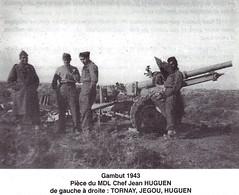 RA - 1943 Tunisie-  Gambut 1943 pièce du MDL Chef jean HUGUEN g à d Tornay Jegou Huguen