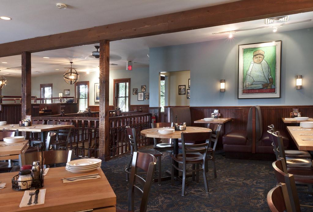 The Best Pizza Restaurant in Schaumburg, IL | Lou Malnati's