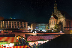 Christmas Market in Nuremberg photo by Pahas: