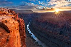 Sunrise at Toroweap Overlook, Grand Canyon North Rim photo by Yanbing Shi