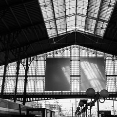 Ombres chinoises @ Gare du Nord photo by Thierry Hudsyn [too busy...]