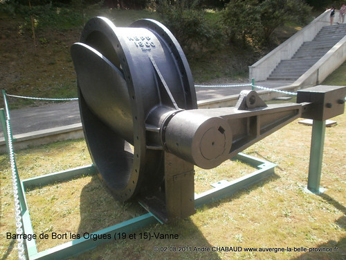 Barrage de Bort les Orgues (19 et 15)-Vanne