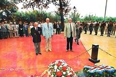 21 aout 2000. Pietri, Delepinne, Tropet après le dépôt d'une gerbe au Mémorial de Hyères - Fonds Pierre Tropet
