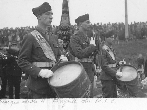 Alsace- 1945 Obenheim - musique 4e brigade ric